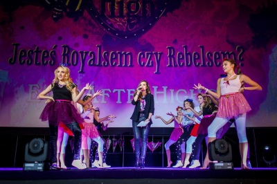 Ever After High scena
