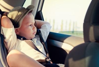 dziecko w samochodzie ver1